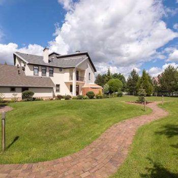 Современный дом с изысканным ландшафтным дизайном в КП «Резиденции Бенилюкс» (фото - 3)